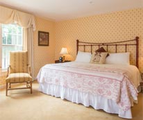 Deerfield Hotel Room for your Massachusetts Wedding