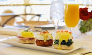 Deerfield, MA bed and breakfast brunch!