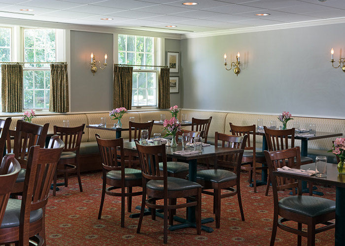 Champney's Restaurant dining room