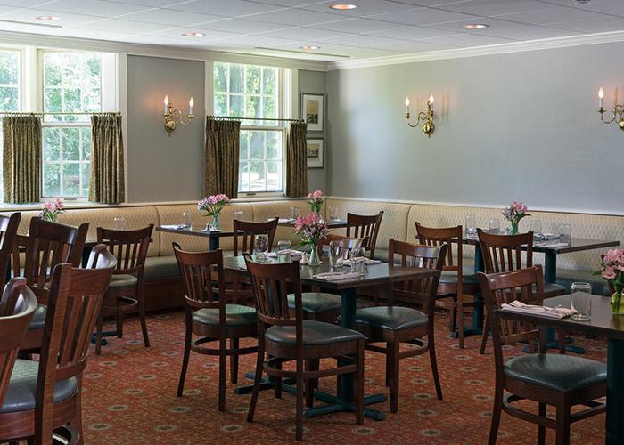 Champney's Restaurant dining room