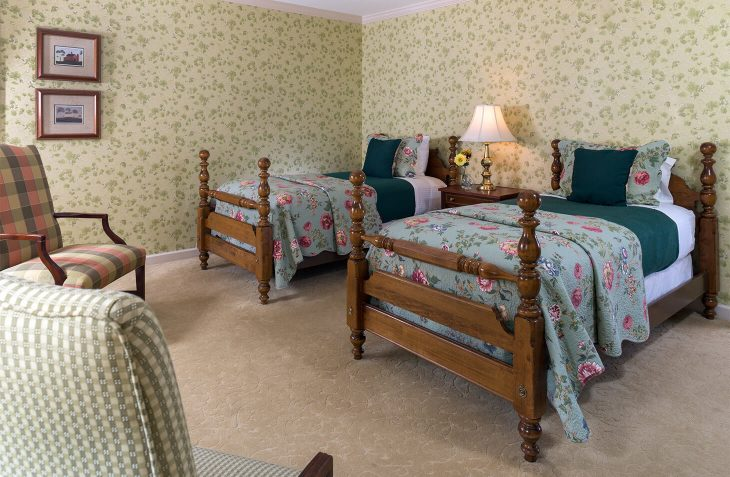 Traditional Twins room with two twin beds